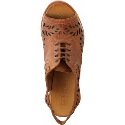 Sandalia de tacón en piel 100% natural con una diseño troquelado