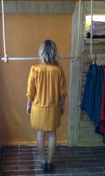 Vestido Camisero de Seda Natural en Oro